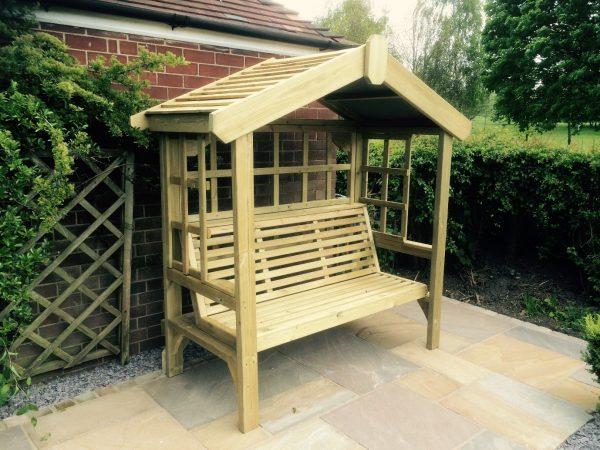 Cottage 3-seater trellis arbour 1