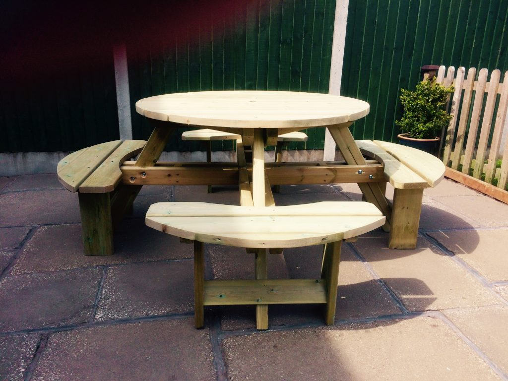 8 Seater Round Picnic Table Wooden Garden Furniture For Adults Or Children