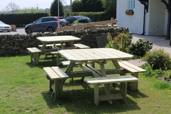 8-seater square picnic table 2